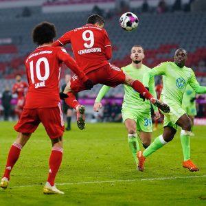 Robert Lewandowski strzelił już w Bundeslidze 268 bramek. Więcej ma tylko Niemiec Gerd Mueller (365). Fot. www.facebook.com/rl9official